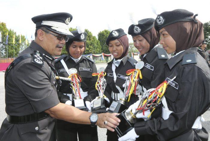 Pegawai Penjara Grad Ka19 Tugas